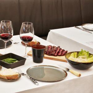 Carne al peso, guarniciones, salsas, vino en Restaurante Solomillo en Barcelona